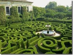 westwater-nedra-garden-maze-portugal-europe